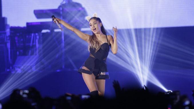Ariana Grande amenaza en Costa Rica