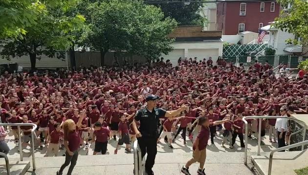 Policía de North Bergen realiza 'Wiggle Dance'